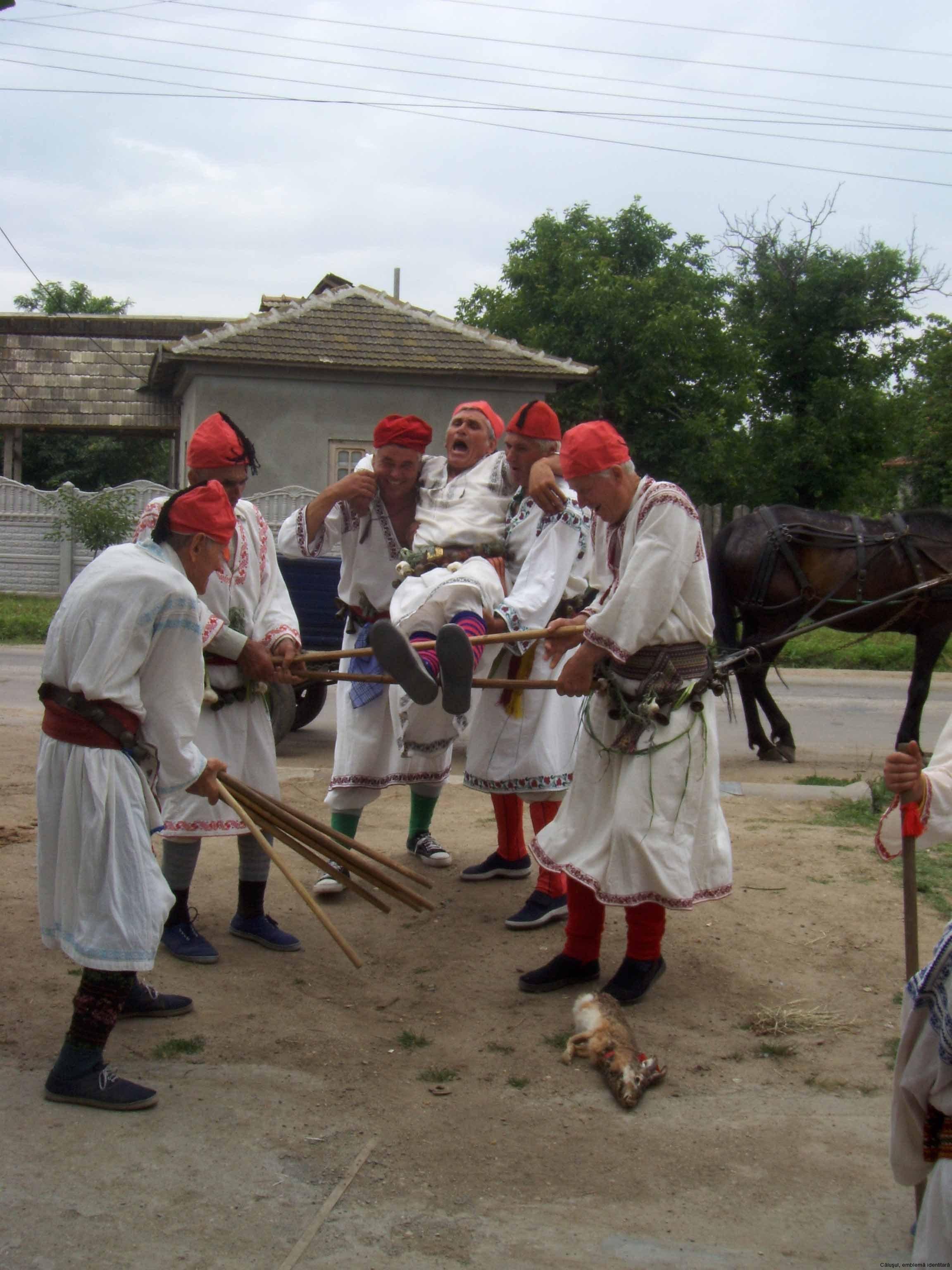 14-calus-Pantomima-ludica-pedepsirea-calusarului-Giurgita-2008